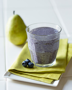 Pear Oatmeal and Blueberry Smoothie