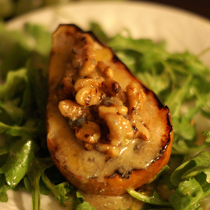 Grilled Pears with Gorgonzola Brie
